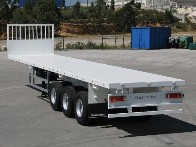 Galtrailer: semi reboque plataforma - 3 eixos